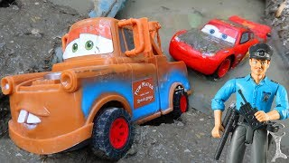 Super Lightning McQueen Toy Car pushes Sports Toys Cars | Tow Truck Transporter | Trum Trum Cars