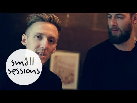 HONNE - Coastal Love (acoustic) | Småll Sessions