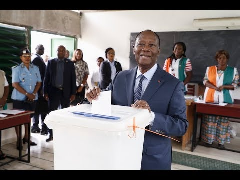 Le Chef de l'État a accompli son devoir civique (élections municipales et régionales 2018)