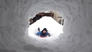 ❄️⛄️ Ultimate Snow Fort with 35 foot long Rooftop Entrance Slide across the Pool! ⛄️❄️