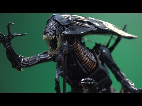 This Xenomorph Queen from Aliens is Beautiful - IGN Unboxing