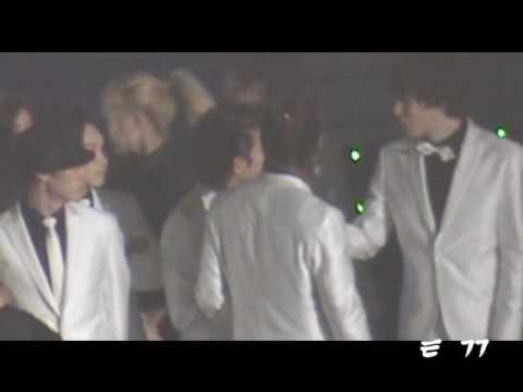 [FANCAM] 100203 Super Junior Ryeowook hugging Leeteuk Kyuhyun