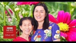 """Hành trình tìm mẹ và """"14 năm cuộc đời bị đánh cắp"""" - BBC News Tiếng Việt"""