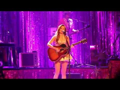 Kacey Musgraves - Fine (Ryman Auditorium Nashville TN 9/23/2015)