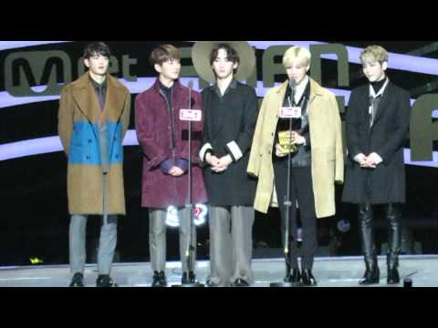 【FANCAM】 SHINee - Best Dance Performance Male Group Award Speech @MAMA 2015 IN Hong Kong