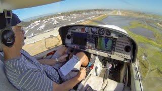 DA40 Landing at Palo Alto (2014)