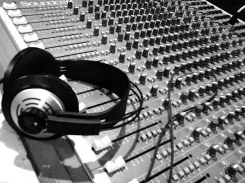 Chuckie & Hardwell - Move It 2 The Drum feat. Ambush (Original Mix )