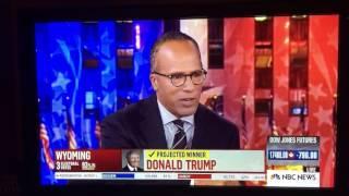 Lester Holt tells Chuck Todd his mic is on