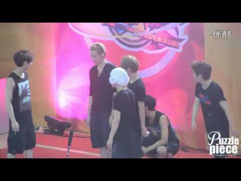 [Puzzlepiece]120625 EXO-M 'GO ALL OUT' '全力以赴' playing before the game.flv