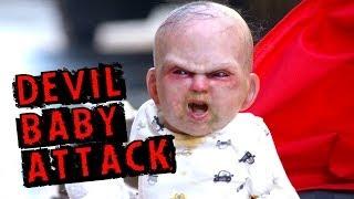 Дьявольский ребёнок атакует прохожих