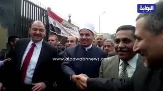 رئيس جامعة الأزهر يشارك طلابه في وقفة احتجاجية لـquotالقدسquot     -