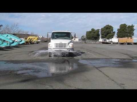 FREIGHTLINER WATER TRUCK DY03112