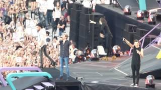 HD - One Direction - Steal My Girl (live) FZ72 @ Wien, Vienna,  Austria OTRA 2015