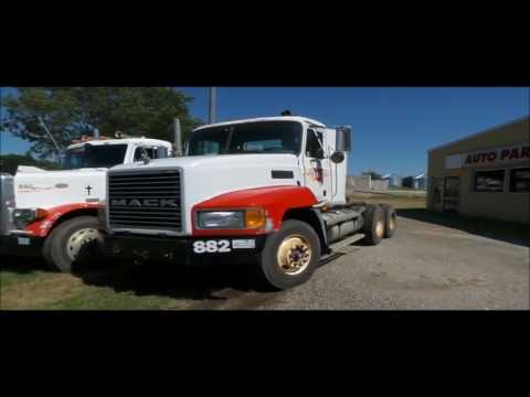 2002 Mack CH613 semi truck for sale | no-reserve Internet auction September 22, 2016