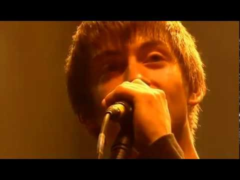 Arctic Monkeys - Leave Before the Lights Come On (Glastonbury) 2007