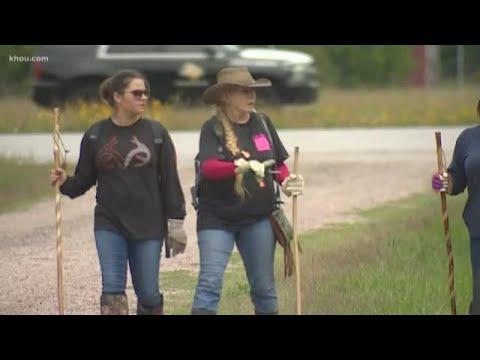 Search for Maleah Davis near haunted house in Rosharon