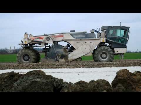 STRABAG - Česká republika - Jak koordinujeme stroje při stavbě dálnice?