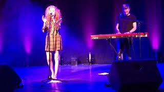 Janet Devlin - Numb live in Melksham (31/8/17)