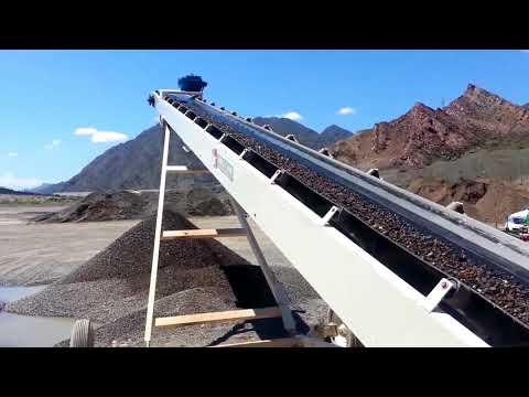 Cinta transportadora granelera Bec-Car R-1200.50 moviendo piedra