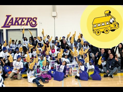 Backstage: Lakers - School on Wheels