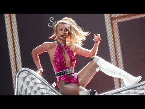 Britney Spears - I Love Rock 'N' Roll & Gimme More (Live From Las Vegas)