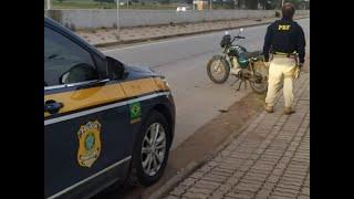 PRF prende homem com motocicleta clonada trafegando na contramão na BR-116, em Camaquã