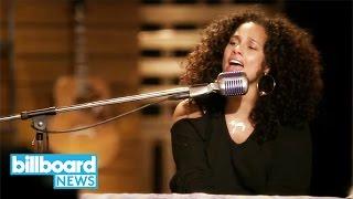 Alicia Keys Sings 'Fallin'' with 'Voice' Contestant Felicia Temple | Billboard News