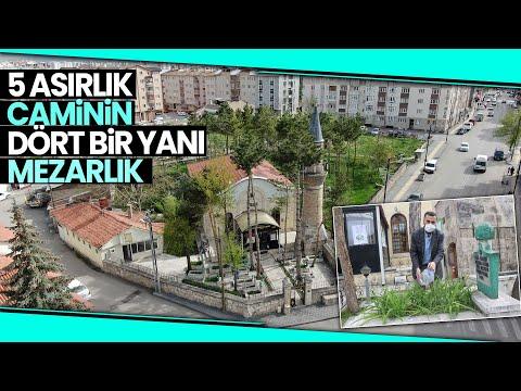 Sivas'ın Önde Gelen İsimlerinin Kabri 5 Asırlık Caminin Mezarlığında Bulunuyor