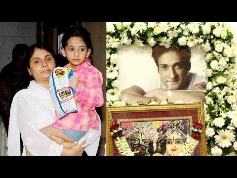 Inder Kumar's SECOND Wife Pallavi Sarraf and Daughter Look BROKEN At The Prayer Meet