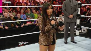 Raw: Trish Stratus vs. Vickie Guerrero