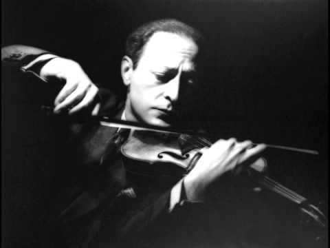 Violinist Jascha Heifetz ~ Estrellita  (1928)