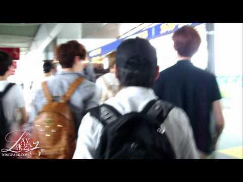 【兴吧XingPark】120627-28 nanjing&changsha airport LAY 张艺兴 by Gyeongbi