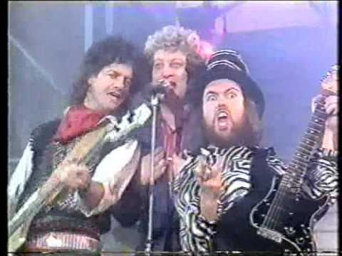 Slade - Myzsterious Mizster Jones (TV Performance)