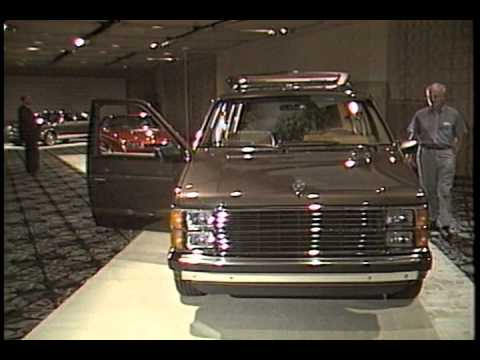Lee Iacocca Intros 1985 Cars