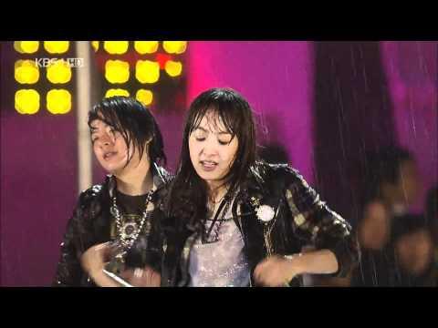 F(x) LaChaTa LIVE in rain
