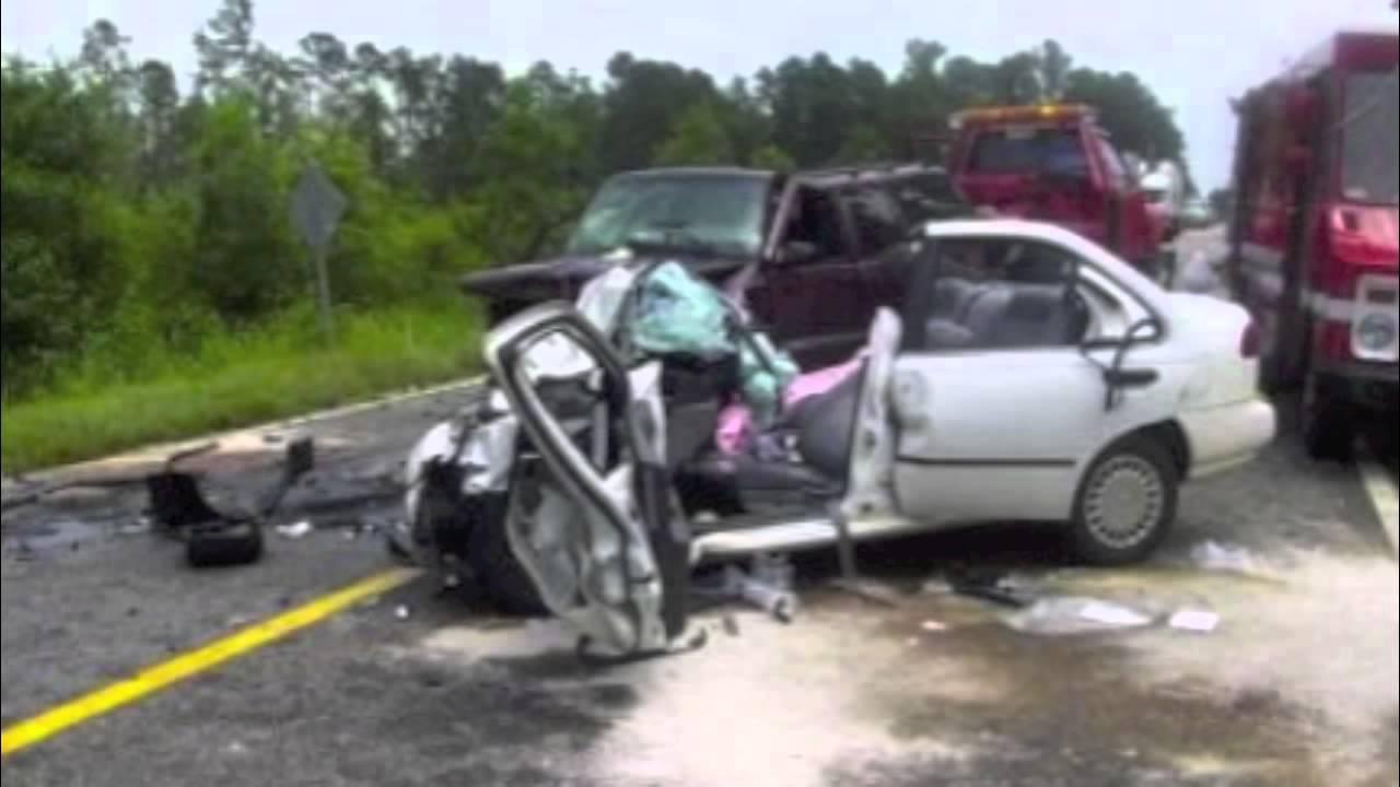 Car Wrecks: DEADLY CAR CRASH CAUGHT ON CAMERA!