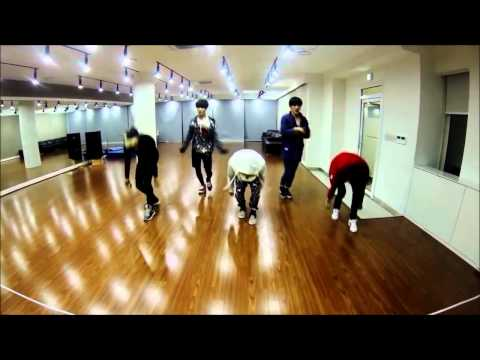 SHINee RANDOM DANCE CHALLENGE