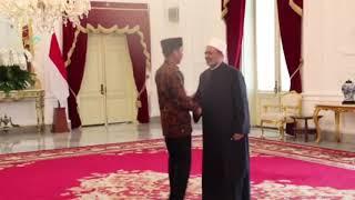 اللحظات الاولى لاستقبال الرئيس الإندونيسي لفضيلة الإمام الأكبر في ...