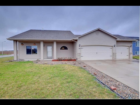 Residential for sale - 900 Woodmont St, Harrisburg, SD 57032
