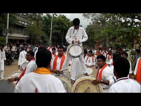Puneri Dhol Vs Nashik Dhol Mp3 Download Free