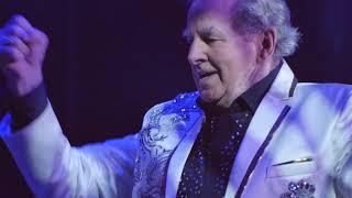 Sydney Devine live  performance at Falkirk town hall 2018