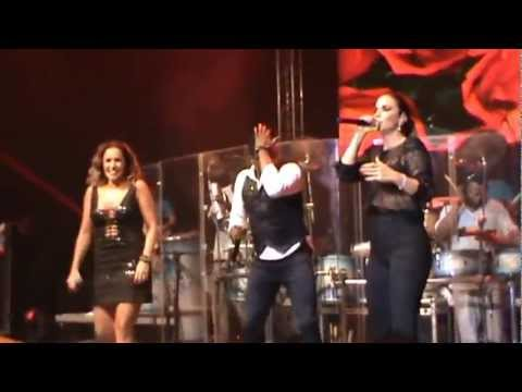 Baixar Daniela Mercury e Ivete Sangalo na gravação do CD da Banda AraKetu: www.ssacarnaval.com.br