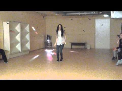 Baixar Me dancing to Replay by Zendaya