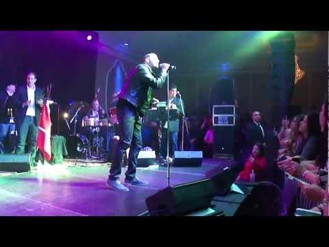 Victor Manuelle [08/11] - Me da lo mismo - En Vivo Toronto 2013
