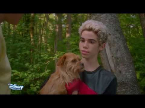 Descendants - Extrait : La course de Carlos