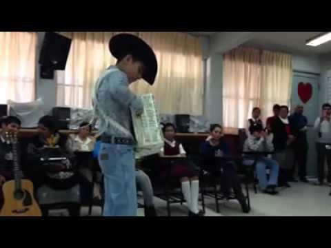 Niño Tocando El Acordeon (Increible Solo)