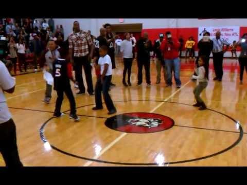 Atlanta Offbeat: Jarrett Jack gets caught off guard by a little girl dancing