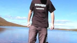 hedzsooo gépigényes pólóban Skóciából
