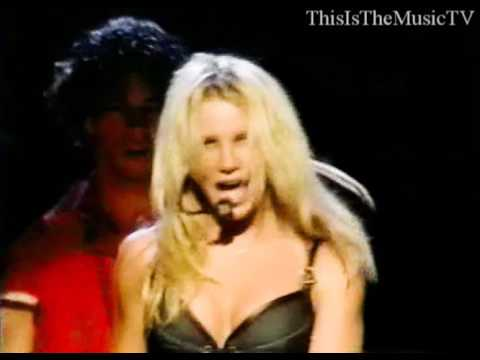 Britney Spears - Oops!... I Did It Again - LIVE in London (OIDIA Tour)