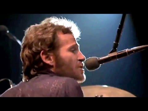 Top 10 Singing Drummers